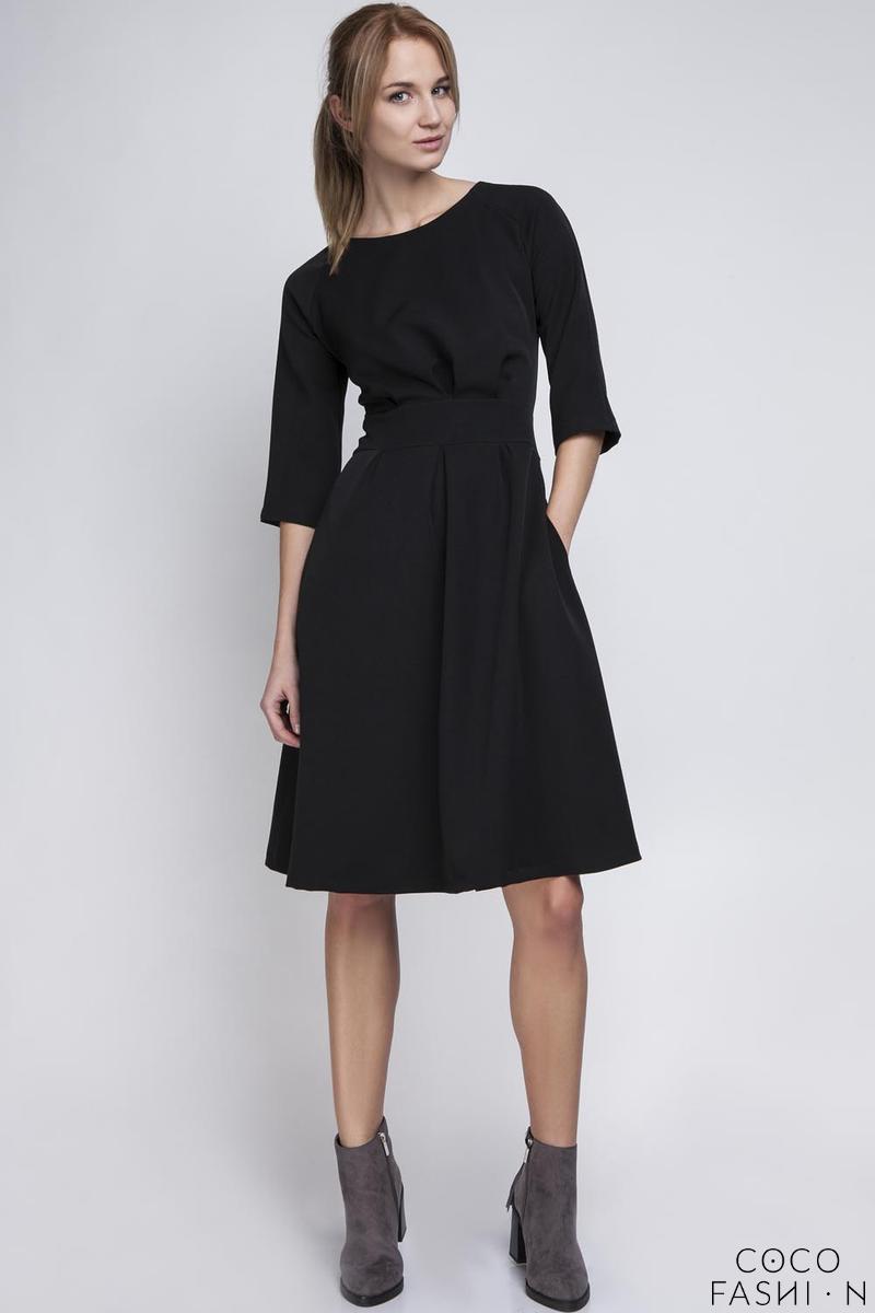 Czarna Sukienka z Rękawem 34 i Podkreśloną Talią